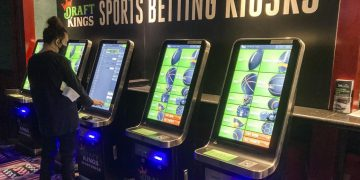 Hundreds of online, sports bets placed on Conn.'s 1st day